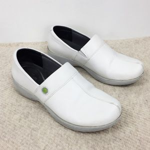 Dansko White Leather Clogs Comfort Shoes Size 9